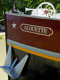 Alouette hotel barge