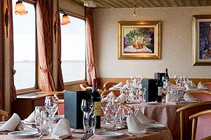 Princesse d'Aquitaine Dining Area