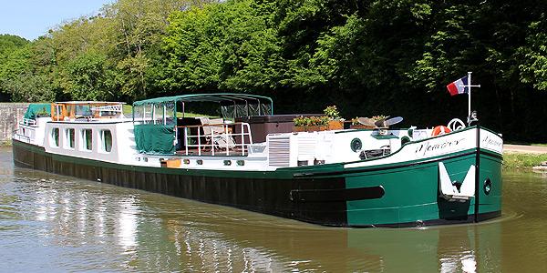 Meanderer Hotel Barge