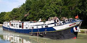 Rosa Hotel Barge